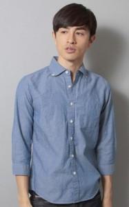 オフィスカジュアルシャツ水色