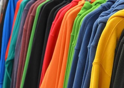 ファッションの服の色の組み合わせ
